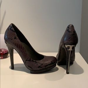 Tory Burch Snake Skin Pumps
